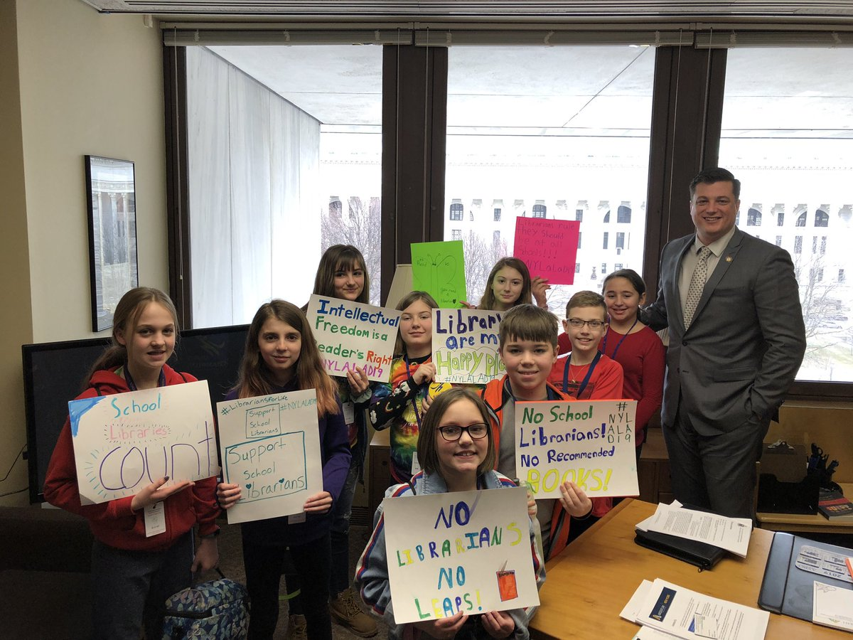 Students lobby for libraries