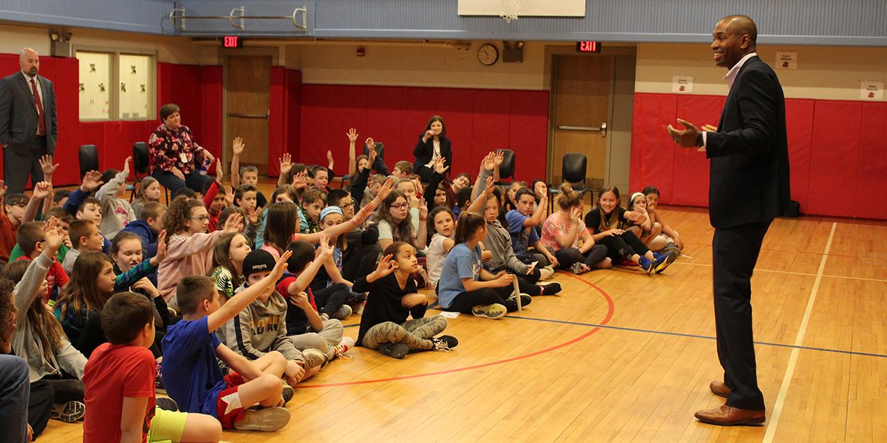 U.S. Rep. Antonio Delgado with students